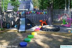 lekplats,puppy,stubbar,färg,lekfullt,sandlåda,rutschkana,pinstolsgunga,gunga,slänggunga,gungdjur,gunghäst,fjädergunga,fågelkrokar,vimplar,ut...