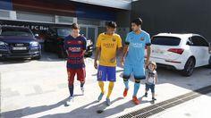 Més que un club Fc Barcelona, Barcelona Football, God Of Football, Football Soccer, Football Stuff, Messi And Neymar, Lionel Messi, Good Soccer Players, Football Players