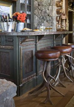 Apres ski?? Stools with antlers - Interior Design photo by Rinfret, Ltd. Album - Western Ranch