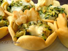 Spanakopita, Cheesesteak, Macaroni And Cheese, Pizza, Chicken, Meat, Ethnic Recipes, Food, Drinks