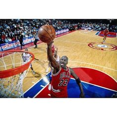 Michael Jordan will earn more money in 2016 than any athlete on the planet retired or active. #repre23nt
