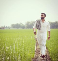 We Did it Well, India Trending Number Poses For Men, Boy Poses, Parmish Verma Beard, Love Couple Wallpaper, Designer Suits For Men, Turban Style, Stylish Boys, Famous Singers, Photo Poses