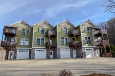 This 3/2 condo offers 2 car garage, covered dock, common pavilion with stacked stone fireplace and much more! For more info please contact Rick Andrews 706-970-7120 or email info@bestmountaindeals.com