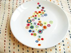 Malen Sie Porzellan mit bunten Kreisen und Punkten hobby for guys for men ideas for men projects for women lobby decor lobby diy lobby farmhouse lobby store products lobby wall art that make money to try hobby room Easy Hobbies, Hobbies To Try, Hobbies For Women, Hobbies That Make Money, Pottery Painting, Dot Painting, Ceramic Painting, Mandala Painting, Hobby Room