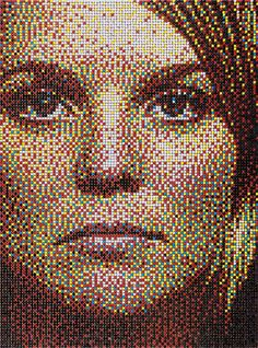 ArtPrize 2009 mosaic portrait using push pins by Eric Daigh. Love this concept. Would like to try it with Legos sometime. Push Pin Art, Mosaic Portrait, Pixel Art Templates, Bottle Cap Art, Unusual Art, Photorealism, Button Art, Art Graphique, Environmental Art
