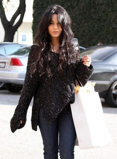 Vanessa Hudgens Photos - Actress Vanessa Hudgens out shopping on Melrose Ave. - Vanessa Hudgens Out Shopping In West Hollywood Winter Fashion Outfits, Fall Outfits, Autumn Fashion, Celebrity Dresses, Celebrity Style, Vanessa Hudgens Style, Luanna, Fashion Beauty, Dress Up