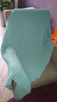 babydeken haken met bubbels - Breiclub.nl Crochet Patterns For Beginners, Crochet Blanket Patterns, Baby Knitting Patterns, Baby Blanket Crochet, Crochet Yarn, Hand Crochet, Crochet Hooks, Baby Accessoires, Moss Stitch