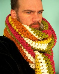 Have you ever seen a man wear a scarf like this?!