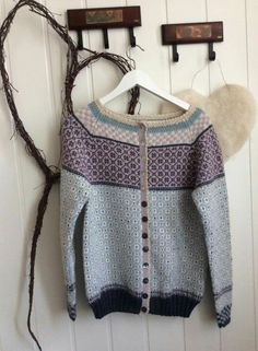 Ravelry: Drop Stitch Wrap pattern by Ing-credible Threads Designs free pattern Diy Crochet And Knitting, Crochet Cardigan, Knitting Yarn, Hand Knitting, Knitting Patterns, Norwegian Knitting, Fair Isle Knitting, Cardigans For Women, Bunt
