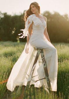 Gorgeous wedding dress and pose