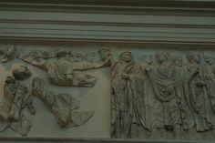 Fregio della Processione dell'Inaugurazione. I littori e Augusto.