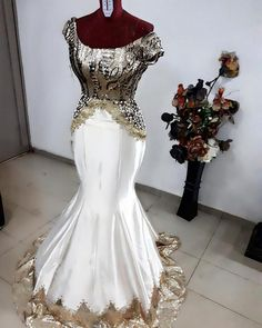 Today we will be looking at 60 Latest Nigerian Aso Ebi Styles 2018 : Wedding Styles. The Asoebi lace materials, its bright magnificent colours and interestin. Big Girl Fashion, 50 Fashion, Party Fashion, Latest Fashion For Women, Fashion Styles, Fashion Design, Fashion Check, Woman Fashion, Fashion Ideas