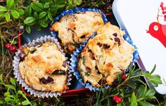 Matmuffins with feta, sundried tomatoes and basil Basil Recipes, No Knead Bread, The Breakfast Club, Foods To Eat, Scones, Feta, Muffins, Cupcakes, Cooking