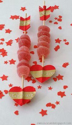 Tutorial: Flechas dulces con washi tape para San Valentín. DIY: Valentine Arrows and washi tape.