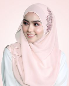 Look effortlessly gorgeous with out latest collection cotton pink with attractive lace from @hanabellashawl. Modest and fashionable!!  . |Cotton Pink with Pink Lace| .  #shawl #lovely #janebeadedshawl  #modest #hijab #hijabfashion #luxury