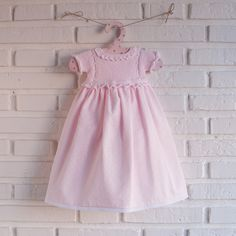 faldon de algodón con falda de pique pelotedelainebebes@gmail.com Little Girl Dresses, Flower Girl Dresses, Baby Barn, Knitting For Kids, Knitted Dolls, Baby Sweaters, Baby Dress, My Girl, Knit Crochet