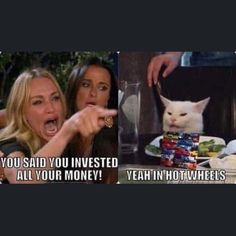 Hilarious white cat at the dinner table Memes - Goteo Really Funny Memes, Stupid Memes, Stupid Funny Memes, Funny Relatable Memes, Funny Stuff, True Memes, It's Funny, White Cat Meme, Hilarious Pictures