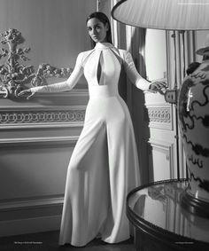 New Bond Girl, Bond Girls, Mode Outfits, Girl Outfits, Fashion Outfits, Girl Fashion, Wedding Robe, Wedding Dresses, Style James Bond