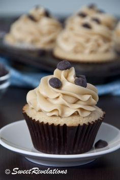 Chocolate Chip Cookie Dough Cupcakes (the cupcakes are stuffed with cookie dough in the center!). #cupcakes #food