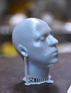 IMPRESION 3D SLA. DE UN MODELO DE LA CABEZA DE EDUARDO HOBIETA #FABLABDF #IMPRESION3D #FABRICACIONDIGITAL #SLA
