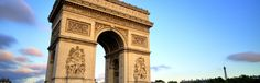 De Arc de Triomphe is een van de bekendste bezienswaardigheden van Parijs, erg indrukwekkend! #Parijs, #tip, #vakantie, #reizen, #stedentrip, #Frankrijk  https://www.cityspotters.com