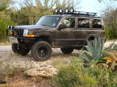 """Jeep Commander 4"""" lift with 4.5"""" wheel spacers ..."""