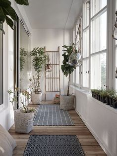 Scandinavian entry | (my) unfinished home