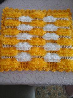 Designer Bed Sheets, Moda Emo, Baby Knitting Patterns, Bed Design, Bridal, Creations, Crochet, Sari, Crochet Edgings
