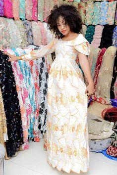( 51 Photos ) Les Tendances « Mode KORITÉ 2018 » s'annoncent déjà chaudes avec Belel couture – Dakarbuzz African Attire, African Dress, African Beauty, African Fashion, Fashion Models, Fashion Outfits, Womens Fashion, Style Afro, Couture