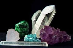 """Sept 15th 7pm Crystals 101 $25.00 Learn the 4 """"C's"""" of crystals & stones. Choosing, Charging, Care and Cleaning. Learn all about the beautiful gifts from Mother Earth! Class fee includes materials & all supplies for class project."""