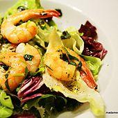 Sałatka z krewetkami Potato Salad, Cauliflower, Potatoes, Vegetables, Ethnic Recipes, Food, Cauliflowers, Vegetable Recipes, Eten
