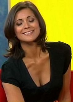Weather Girl Lucy, Hottest Weather Girls, Kirsty Gallacher, Lucy Wilde, Tv Girls, Long Face Hairstyles, Long Faces, Tv Presenters, Gorgeous Women
