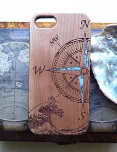 Compass design wooden phone case personalized gift abalone shell inlay phone case for iphone 11 PRO Max 7 8 Plus xr xs max birthday gift Wood Burning Crafts, Wood Burning Art, Wood Crafts, Wooden Phone Case, Wooden Case, Iphone 7, Iphone Cases, Gravure Laser, Painted Bamboo