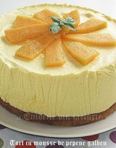 » Tort cu mousse de pepene galbenCulorile din Farfurie No Cook Desserts, Novelty Cakes, Something Sweet, Desert Recipes, Cake Recipes, Sweet Treats, Cheesecake, Food And Drink, Favorite Recipes