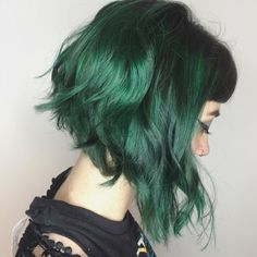 71 green hair colors ideas that you will love - Hair - Hair Styles Green Hair Dye, Dark Green Hair, Green Hair Colors, Hair Color Dark, Dye My Hair, Dark Hair, New Hair, Ombre Green, Short Green Hair