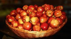 APPLES * - The beautiful apples for our breakfast ... La belaj pomoj por nia matenmanĝo ... Eis belas maçãs para o nosso café da manhã... Le belle mele per la nostra colazione ... Les belles pommes pour notre petit déjeuner ...