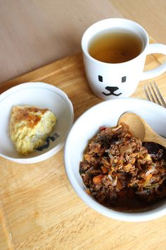 lunch on Tue. 3rd Mar. 2015: leftover chili con carne, frittata with dried young sardines, toasted Bancha tea Lunch is prepared by smaller portion than usual to be ready for the following early supper.