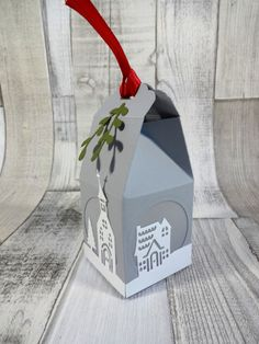 Instructions Milk carton with Christmas city Instructions milk carton Instructions Milk carton with Christmas city Instructions milk carton Stampin Up, Treat Holder, Deco, Silhouette Cameo, Paper Art, Upcycle, Christmas Crafts, Recycling, Scrap