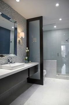 What to do if you have a window in your shower for Narrow bathroom ideas uk