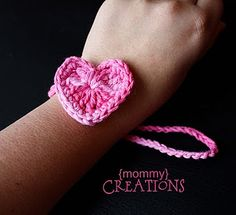 Heart Bracelet from http://www.vanillajoy.com/giveaway-2-crocheted-earwarmer-patterns-from-etsy-seller-yarnlovertn.html - really cute!