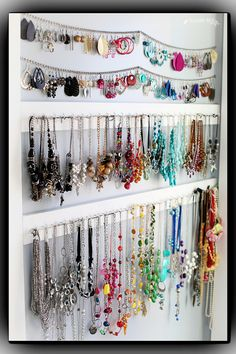simple DIY jewelry organizer