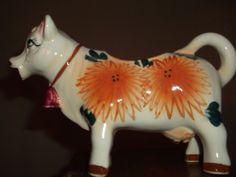Vintage Cow Creamer Cow Kitchen Decor, Cow Creamer, Pie Bird, Sugar Bowls, Down On The Farm, Android Smartphone, Sam Heughan, Cows, Fleas