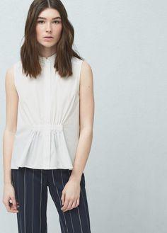 Bluse mit gerafftem detail | MANGO