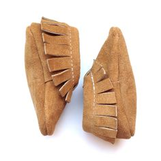 Caramel suede baby moccasin! The perfect baby shoe for your children!