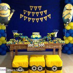 Minions Birthday Theme, Minion Theme, 3rd Birthday Parties, Baby Birthday, Minion Centerpieces, Minion Party Decorations, Minion Cupcakes, Diy Christmas Gifts, First Birthdays