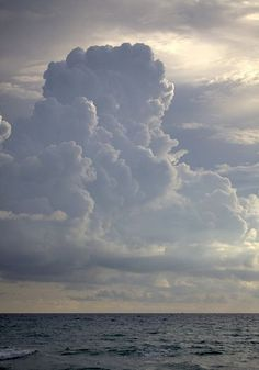 Clouds + ocean. If I could be there right now..