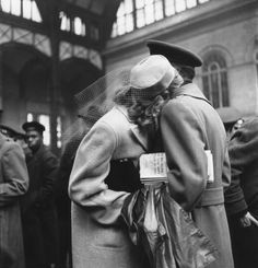 Soldiers saying goodbye at old Penn Station (McKim, Mead, and White, architects), New York, 1940s. Photo: Alfred Eisenstaedt.