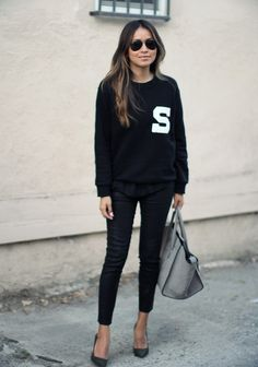 Womens street style fashion for Autumn Winter by Sincerely Jules: Black S college sporty style sweater by Sandro, black denim, grey Celine hand bag Sandro, Mode Style, Style Me, Looks Black, Printed Sweatshirts, Coco Chanel, Look Fashion, Everyday Fashion, Casual Chic