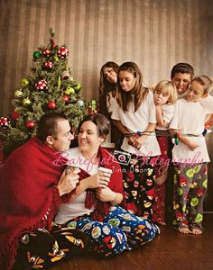 Adorable Idea Love It Pinterest Family Christmas Photos And Families