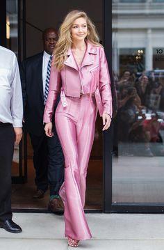 Zendaya in Barbie Pink Wins Best Dressed of the Week Melhor vestido: a semana em roupas Estilo Fashion, Fashion Moda, Pink Fashion, Ideias Fashion, Fashion Outfits, Womens Fashion, Fashion Ideas, Fashion Fashion, 2000s Fashion